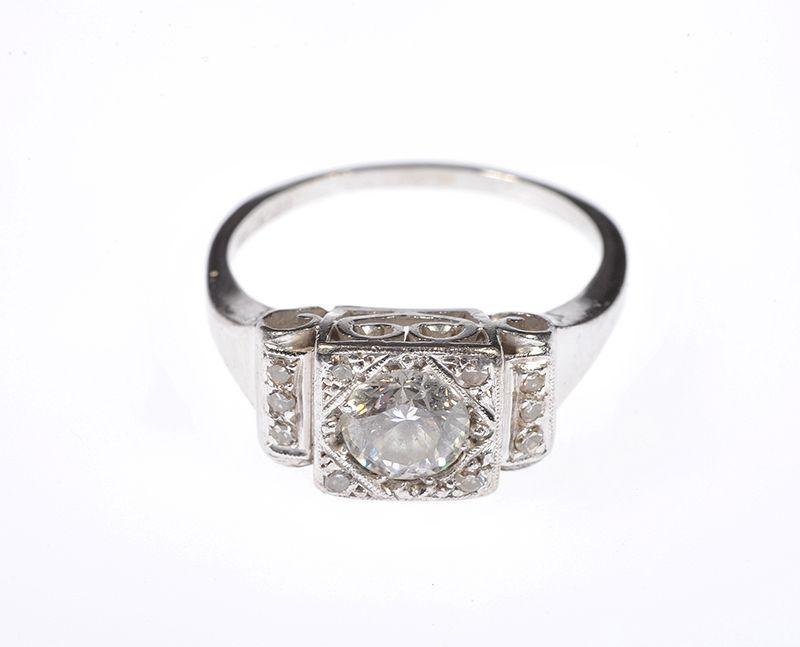 18 carat white gold platinum brilliant cut