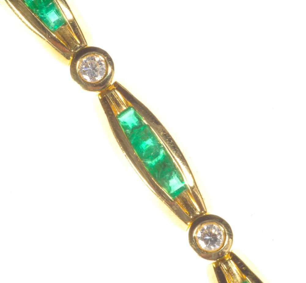 18ct gold emerald and diamond bracelet
