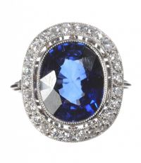 PLATINUM BLUE STONE AND DIAMOND CLUSTER RING at Ross's Auctions