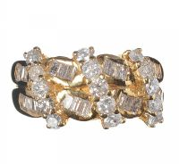 18CT GOLD AND DIAMOND DRESS RING at Ross's Auctions