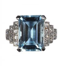 18CT WHITE GOLD AQUAMARINE AND DIAMOND RING IN THE STYLE OF ART DECO at Ross's Auctions