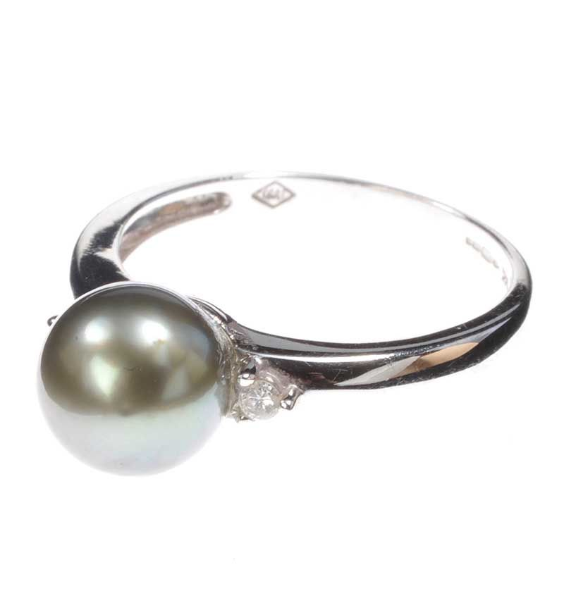 14ct white gold pearl and ring