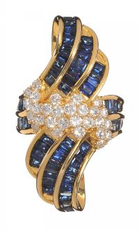 9ab7036989b8 18CT GOLD SAPPHIRE AND DIAMOND COCKTAIL RING at Ross s Auctions