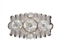 1940'S FRENCH 18CT WHITE GOLD THREE STONE DIAMOND DRESS RING at Ross's Auctions