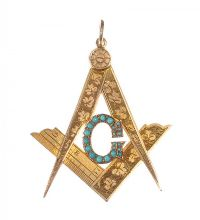 9CT GOLD MASONIC PENDANT SET WITH TURQUOISE by Turquoise at Ross's Auctions