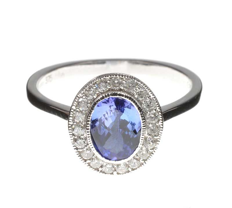 9ct white gold tanzanite and cluster ring