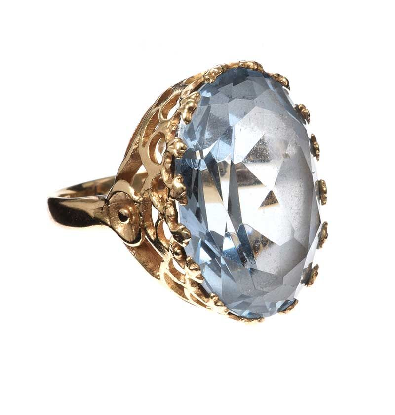 9CT GOLD PINKIE RING SET WITH AQUAMARINE at Ross's Online Art Auctions