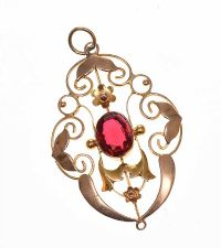 EDWARDIAN 9CT GOLD PENDANT SET WITH RED CRYSTAL at Ross's Jewellery Auctions