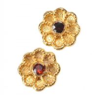 9CT GOLD AND GARNET FLORAL STUD EARRINGS at Ross's Jewellery Auctions