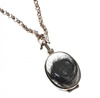 MEXICAN SILVER AND GLASS LOCKET ON A STERLING SILVER BELCHER-LINK CHAIN at Ross's Jewellery Auctions