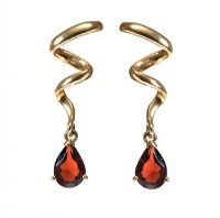 9CT GOLD GARNET EARRINGS at Ross's Jewellery Auctions