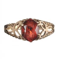 9CT GOLD AND GARNET RING at Ross's Jewellery Auctions