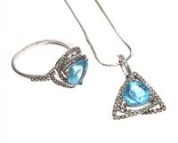 18CT WHITE GOLD DIAMOND AND TOPAZ PENDANT AND RING at Ross's Jewellery Auctions