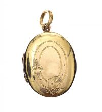 ANTIQUE 9CT GOLD ENGRAVED LOCKET at Ross's Jewellery Auctions