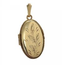 9CT GOLD ENGRAVED LOCKET OVAL SHAPE at Ross's Jewellery Auctions