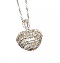 18CT WHITE GOLD DIAMOND PENDANT AND CHAIN at Ross's Jewellery Auctions