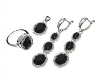 ONYX AND CRYSTAL DROP EARRINGS, PENDANT AND RING SET at Ross's Jewellery Auctions