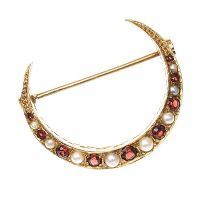 9CT GOLD SEED PEARL AND GARNET CRESCENT BROOCH at Ross's Jewellery Auctions