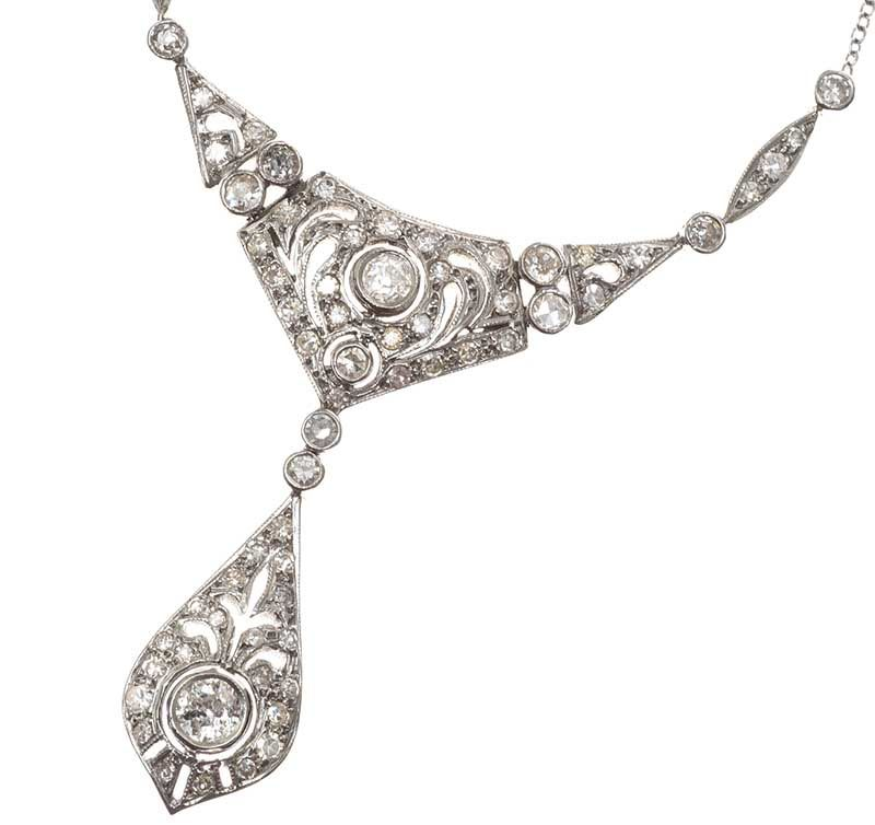 18CT WHITE GOLD EDWARDIAN STYLE DIAMOND NECKLACE at Ross's Online Art Auctions