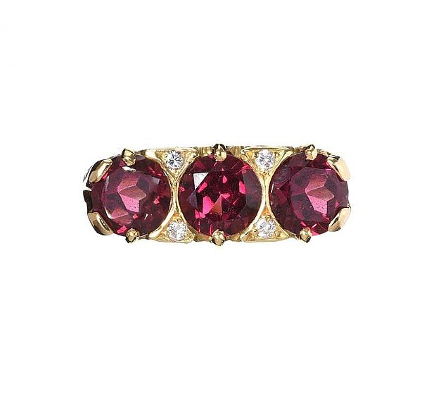 18CT GOLD GARNET AND DIAMOND RING at Ross's Online Art Auctions