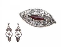 STERLING SILVER CARNELIAN BROOCH AND EARRINGS at Ross's Jewellery Auctions