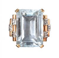 1940'S 18CT GOLD AQUAMARINE AND DIAMOND RING at Ross's Jewellery Auctions