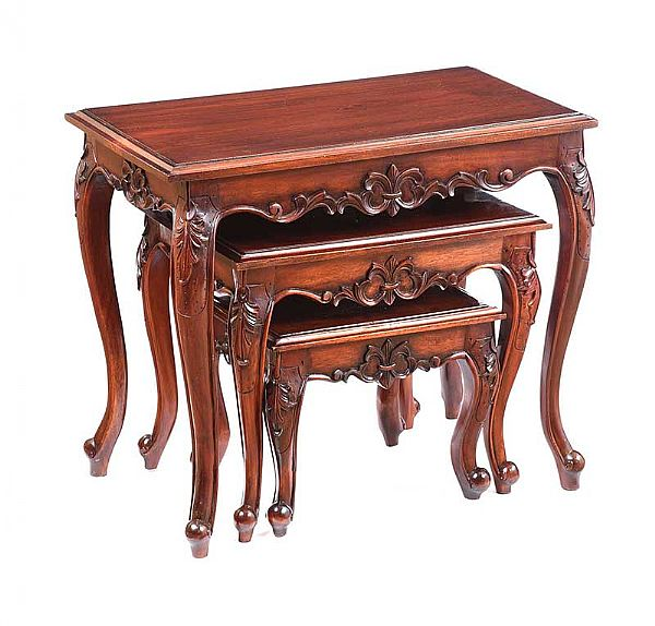 MAHOGANY NEST OF THREE TABLES at Ross's Online Art Auctions