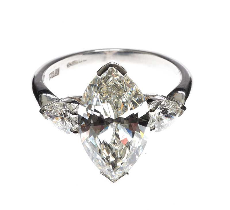 PLATINUM DIAMOND RING at Ross's Online Art Auctions