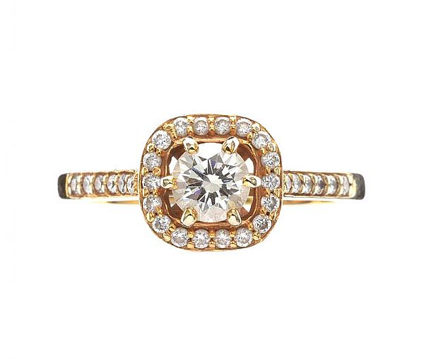 18CT GOLD DIAMOND HALO CLUSTER RING at Ross's Online Art Auctions