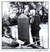 SEAMUS HEANEY AT THE GRAVE OF LOUIS MACNEICE by John Minihan at Ross's Auctions