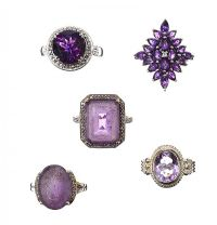 FIVE RINGS SET WITH AMETHYST at Ross's Jewellery Auctions