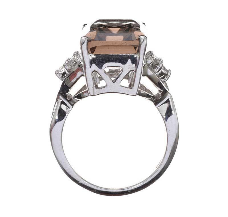 STERLING SILVER RING SET WITH QUARTZ at Ross's Online Art Auctions