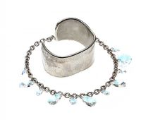 SILVER-TONE BRACELET IN THE STYLE OF TIFFANY & CO. AND A SWAROVSKI NECKLACE at Ross's Auctions