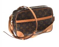 LOUIS VUITTON CROSSBODY LEATHER BAG at Ross's Jewellery Auctions
