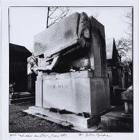 OSCAR WILDE'S GRAVE, PARIS 1985 by John Minihan at Ross's Auctions