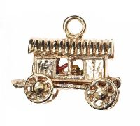 9CT GOLD WAGON CHARM at Ross's Jewellery Auctions