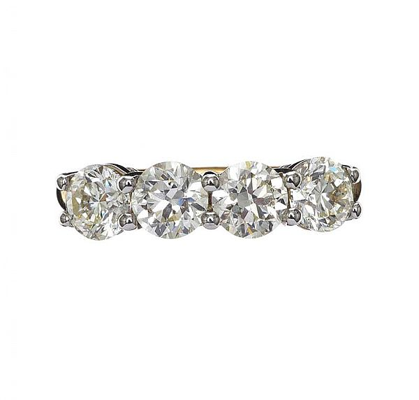 18CT GOLD FOUR STONE DIAMOND RING at Ross's Online Art Auctions