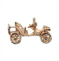 9CT GOLD CAR CHARM at Ross's Jewellery Auctions