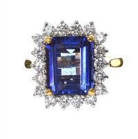 18CT GOLD TANZANITE AND DIAMOND RING at Ross's Auctions