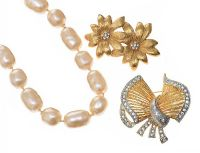 SUITE OF COSTUME JEWELLERY, FAUX PEARLS AND FLOWER BROOCH SIGNED MONET at Ross's Jewellery Auctions