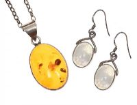 STERLING SILVER AMBER NECKLACE AND MOONSTONE EARRINGS at Ross's Jewellery Auctions