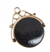 9CT GOLD BLOODSTONE AND CARNELIAN FOB at Ross's Online Art Auctions