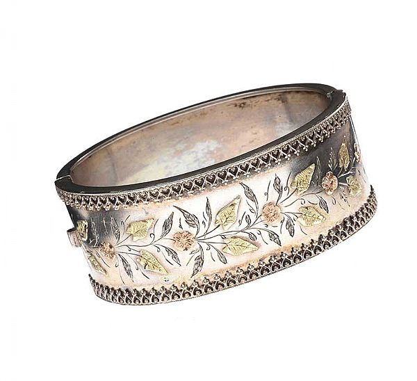 VICTORIAN SILVER BANGLE at Ross's Online Art Auctions