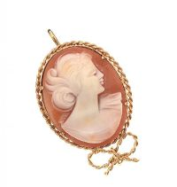 9CT GOLD MOUNTED CAMEO PENDANT at Ross's Jewellery Auctions