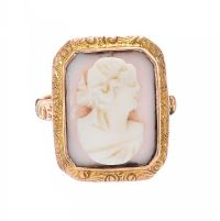 9CT GOLD CAMEO RING at Ross's Jewellery Auctions