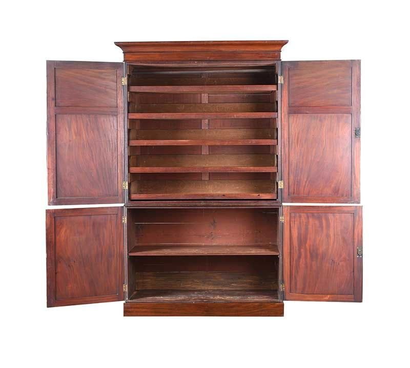 REGENCY MAHOGANY LINEN PRESS at Ross's Online Art Auctions
