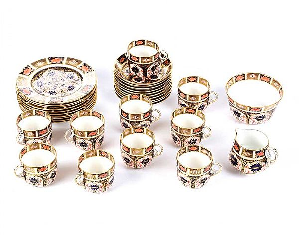 THIRTY TWO PIECE ROYAL CROWN DERBY TEA SET at Ross's Online Art Auctions