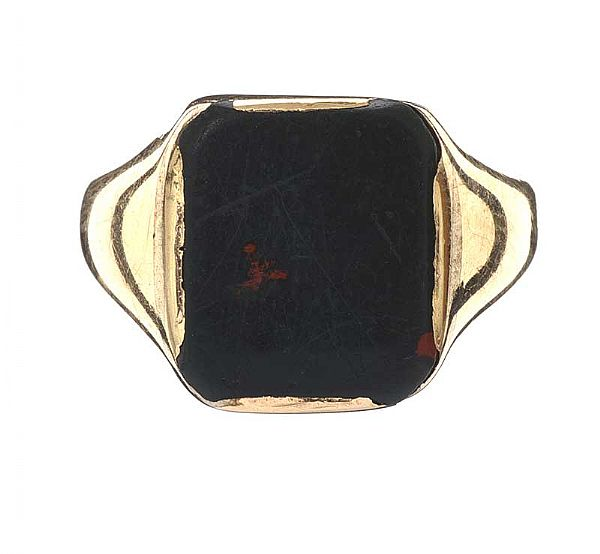 9CT GOLD SIGNET RING SET WITH BLOODSTONE at Ross's Online Art Auctions