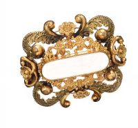 GOLD-TONE BROOCH at Ross's Jewellery Auctions