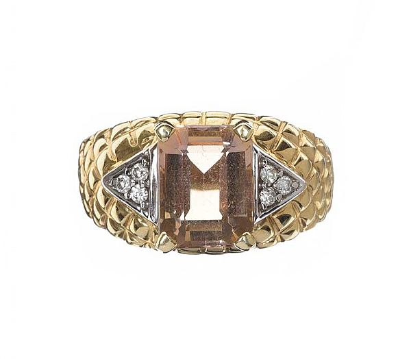 9CT GOLD RING SET WITH CITRINE AND DIAMOND at Ross's Online Art Auctions